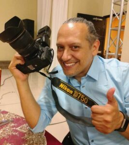 Fotógrafo profesional de IAZ Photo Studio Cristóbal Varela - El mejor servicio de fotografía de boda en Mesa AZ